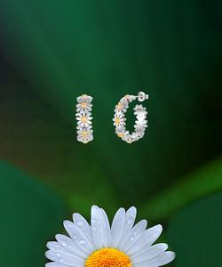 20mm Daisy Hoop Earrings