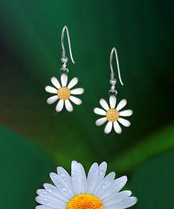 14mm Daisy Earrings