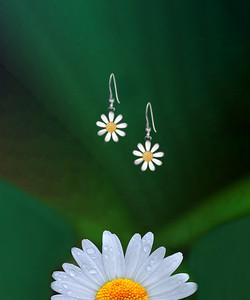 12mm Daisy Earrings