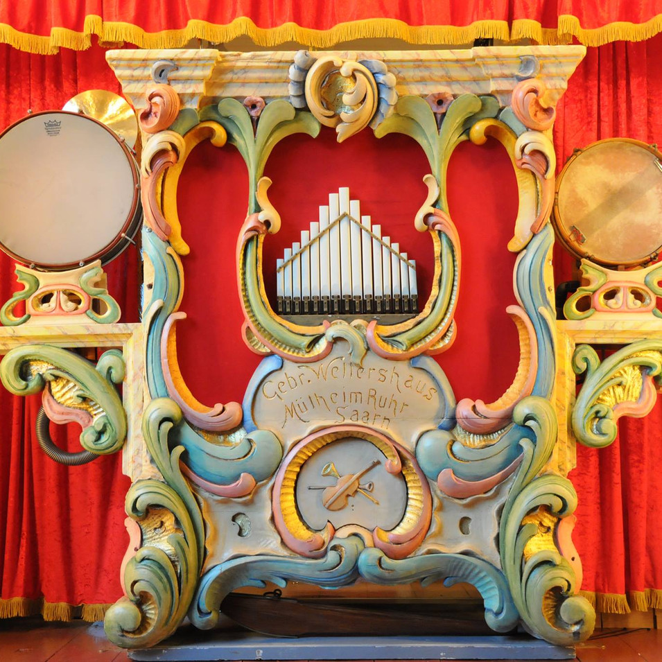 Orgelfront.jpg
