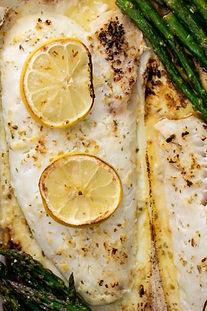 דג בתנור ביין ולימון