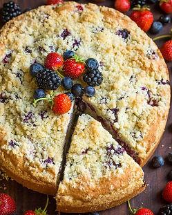 עוגת גבינה פירות יער ופירורי חמאה