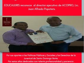 EDUCAJURIS reconoce al director de ACOPRO.