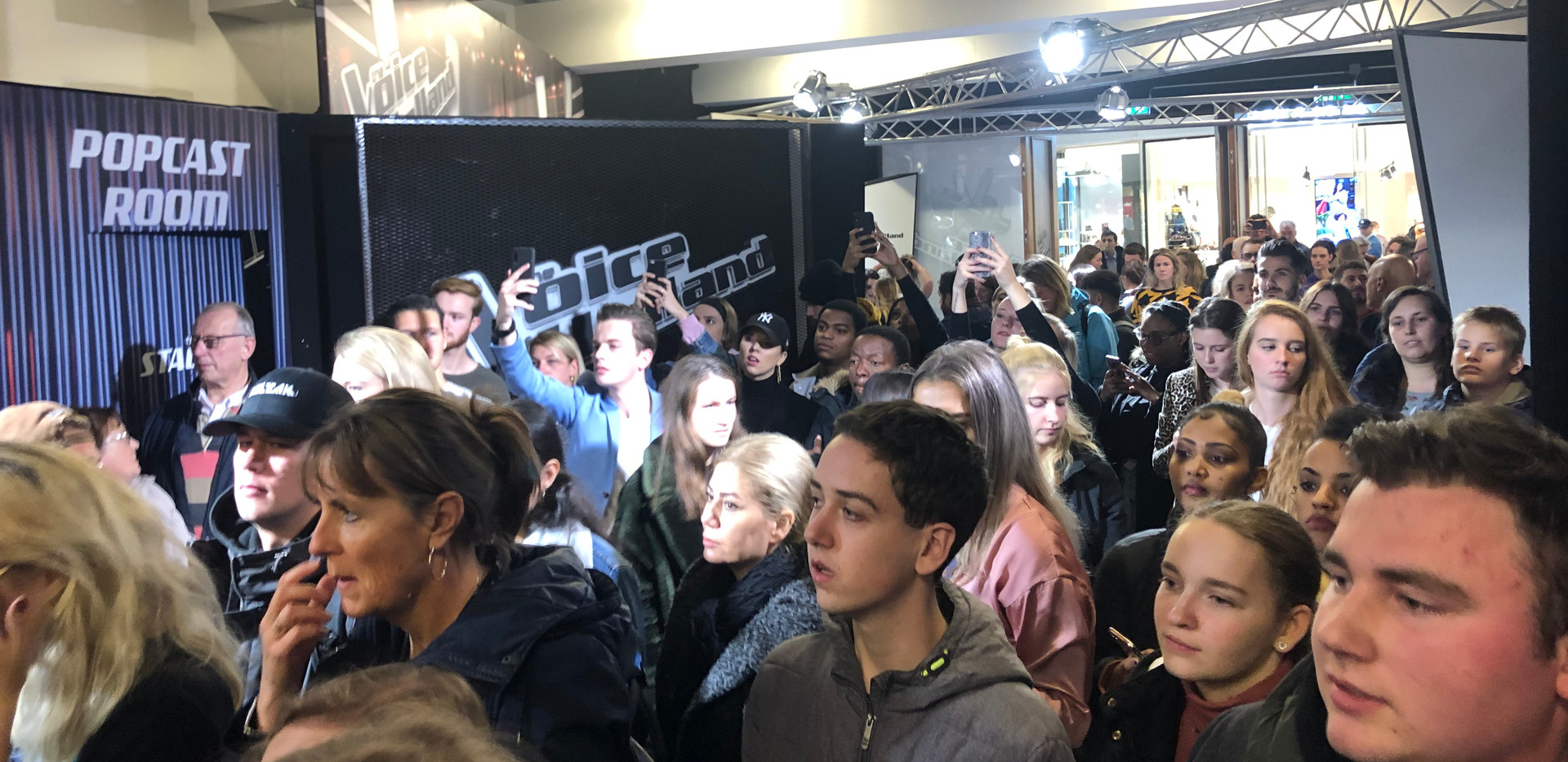 Opening The Voice of Holland pop up store