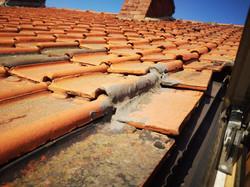 Tuile usée / réparation fuite toiture