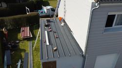 Réparation toiture bac acier garage Avion
