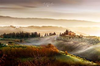 San Giminiano Tuscany photo by Mario Piercarlo Marino