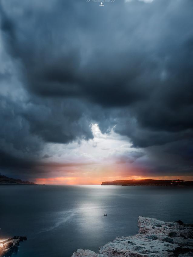 Malta cliff photo by Mario Piercarlo Marino