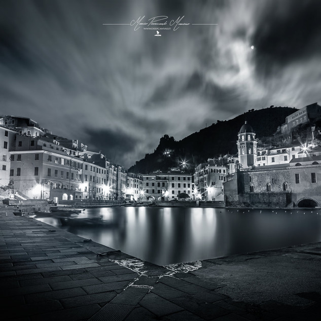 Vernazza 5 terre by Mario Piercarlo Marino