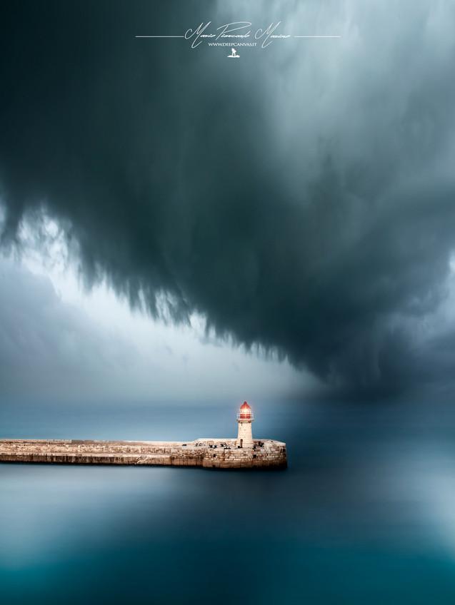 Malta lighthouse photo by Mario Piercarlo Marino