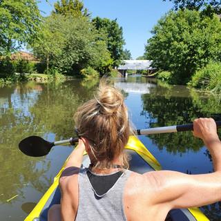 kayaking-outdoors-retreat-UK.jpg