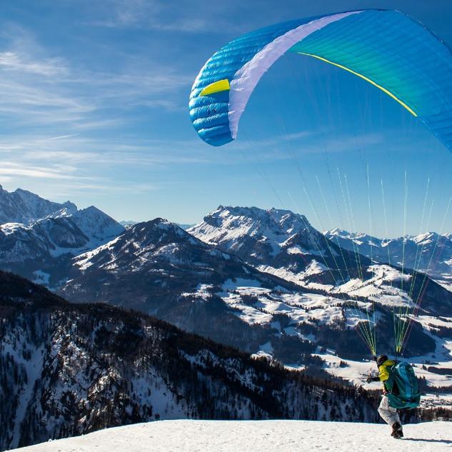 paragliding-alps-S.jpg