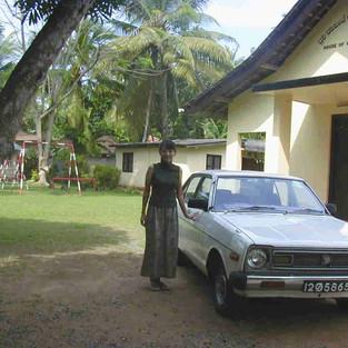 2001_1212_151618-car.jpg