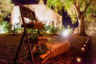 palacio entrada nocturna