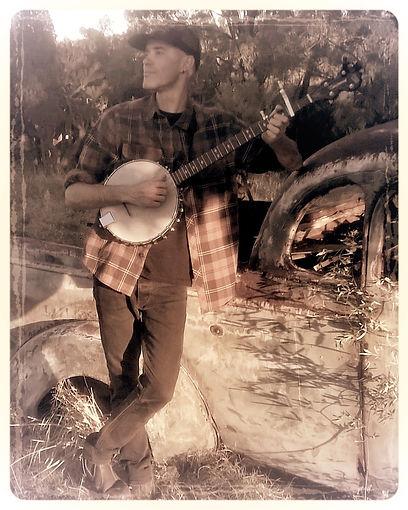 banjo ute side best (6)_edited.jpg