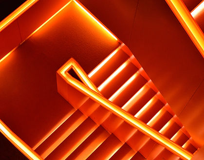 네온 계단
