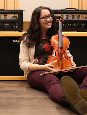 Victoria Suha, viola