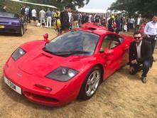 McLaren F1 vermelha