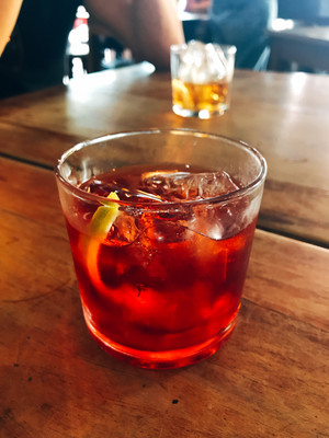 glass of negroni
