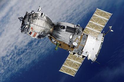 satellite-67718.jpg