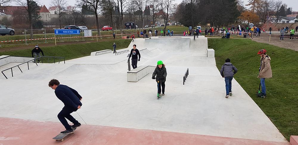 Die Red Bull Pump Track World Championships 2019 wird in Füssen / Allgäu auf die neue Skate- und Bikepark-Anlage ausgetragen.