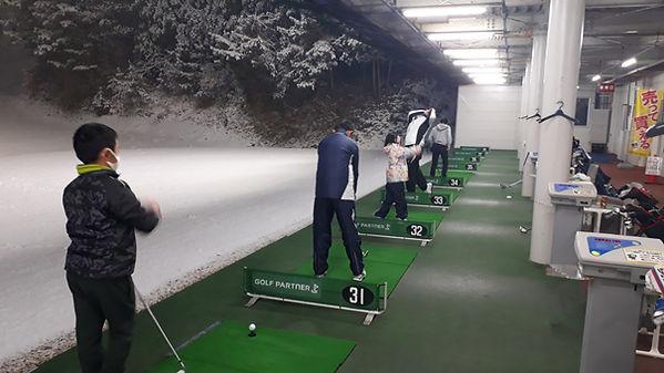 秋田ゴルフガーデンでのゴルフディアジュニアゴルフスクール