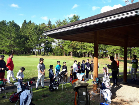 2021年度ジュニアゴルフ大会が更新されました!秋田の子ども達のゴルフについて