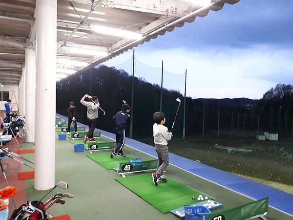 ゴルフディアジュニアゴルフスクールの様子