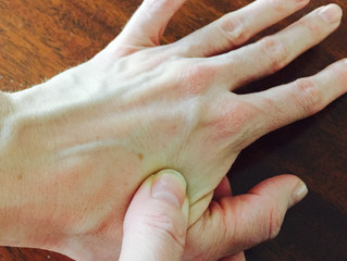 1 acupressure point for back pain (and headaches)