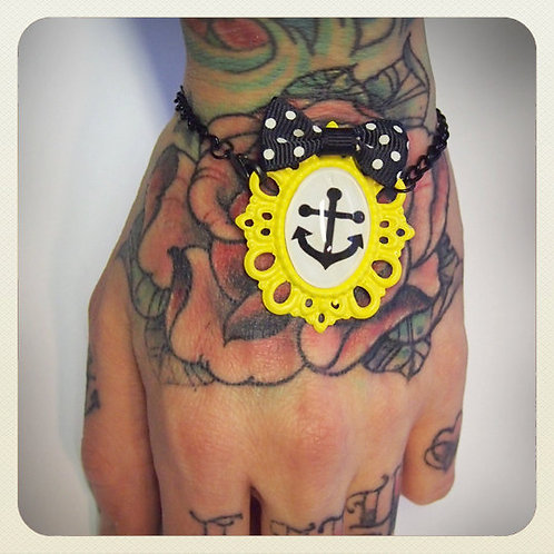 Pin-Up Style Anchor & Bow Bracelet - Yellow