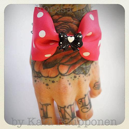 Pin-Up Style Bow Bracelet