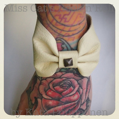Punk Leather Bow & Stud Bracelet - White