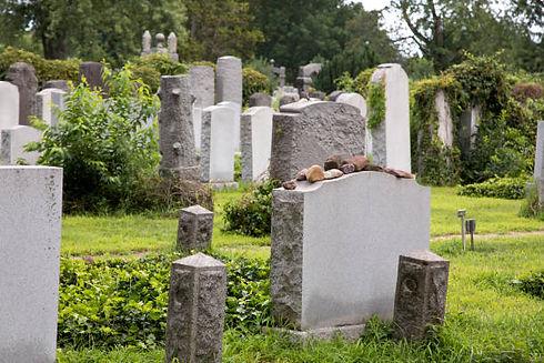 Jewishburial_stock.jpg