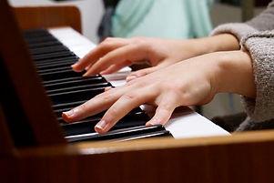 music-piano-hands-75149.jpeg