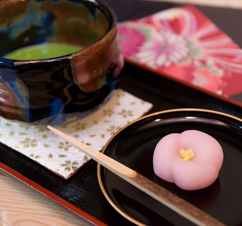 主菓子(おもがし) とお抹茶 800円