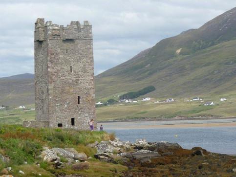 Grace O'Malleys Castle.jpg