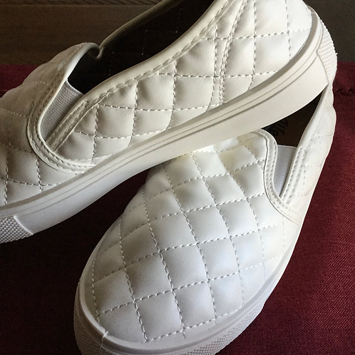 Comfy Casual Slip On Sneakers