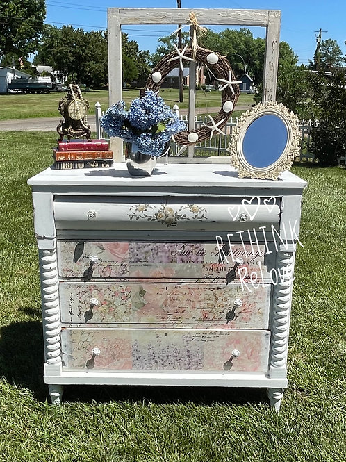 Antique Shabby Chest of Drwers