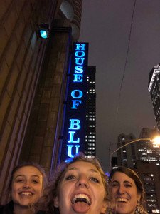 Of courses we took a picture with the House of Blues sign!