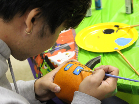 Pumpkin Painting gets Students in the Halloween Spirit