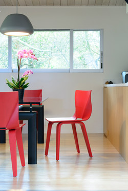 V Chair in red