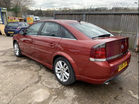 Vauxhall Vectra 1.9 cdti Sri Automatic £65 per week