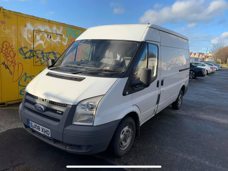 Ford transit mwb high top £80 per week