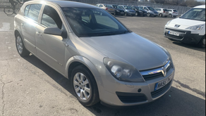 Vauxhall Astra 1.8i Automatic £1000