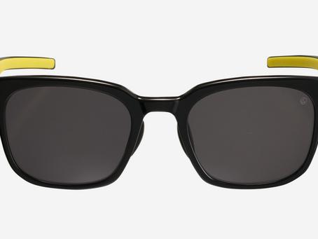 着る眼鏡「Eyevol」