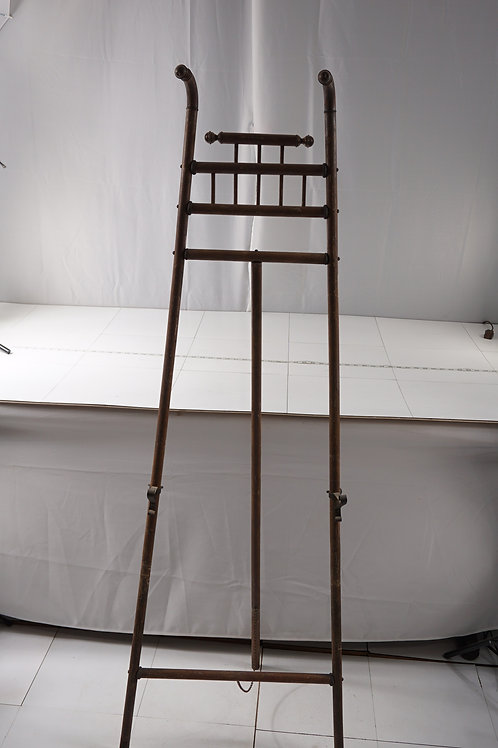 Late 1800s Victorian Easel