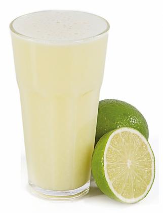 Suco limão com água de coco