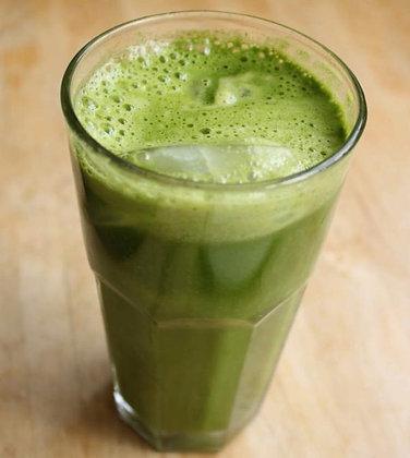 Suco verde batido com água de coco