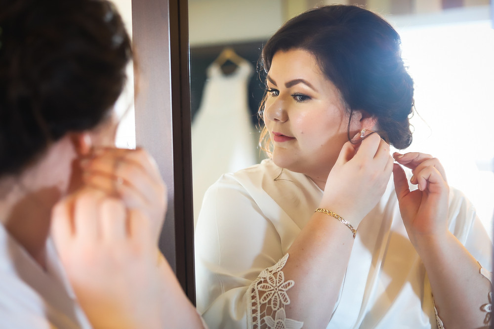 Bridal Portraits - Chocolate Lake Hotel Wedding Photographer