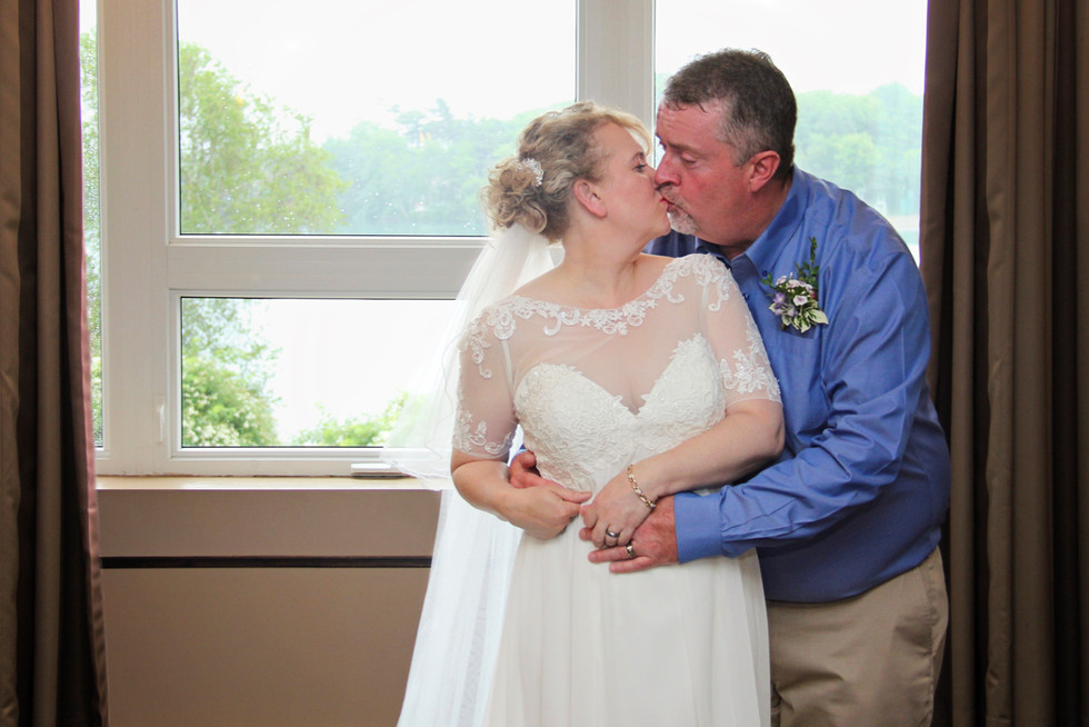 Rebecca & Terry - Chocolate Lake Wedding